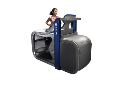 woman in the alter g treadmill